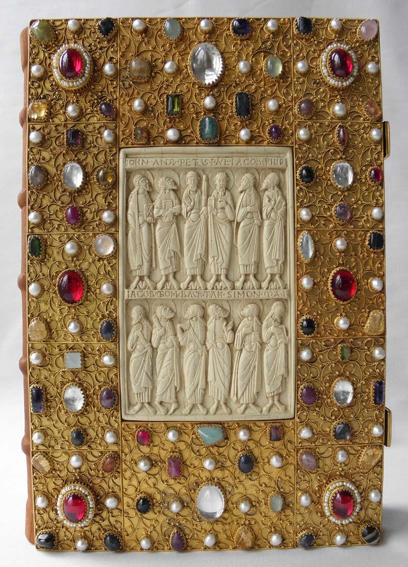 Edelsteineinband für ein Messbuch